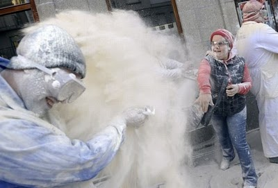 Flour_fight_in_spain_07